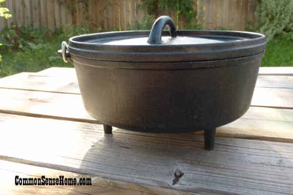 Cast iron Dutch oven with feet for Dutch Oven Cooking over a campfire